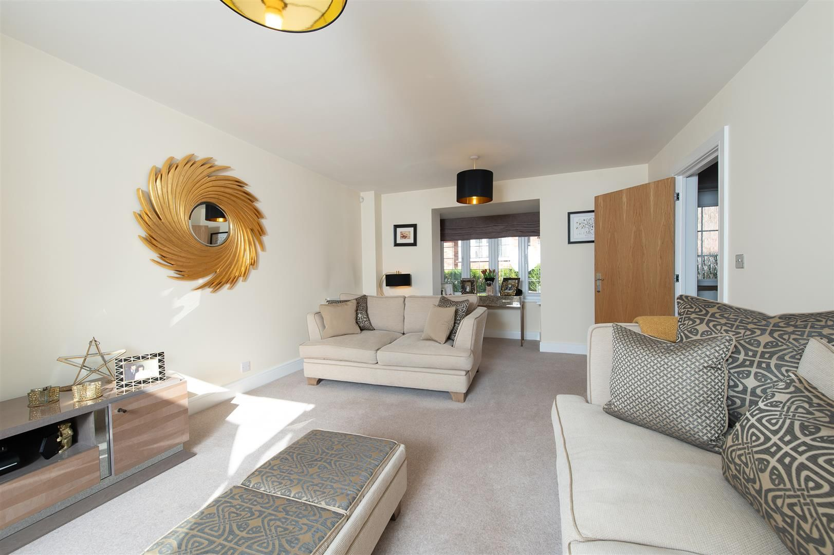 3 bed detached for sale in Hagley  - Property Image 5