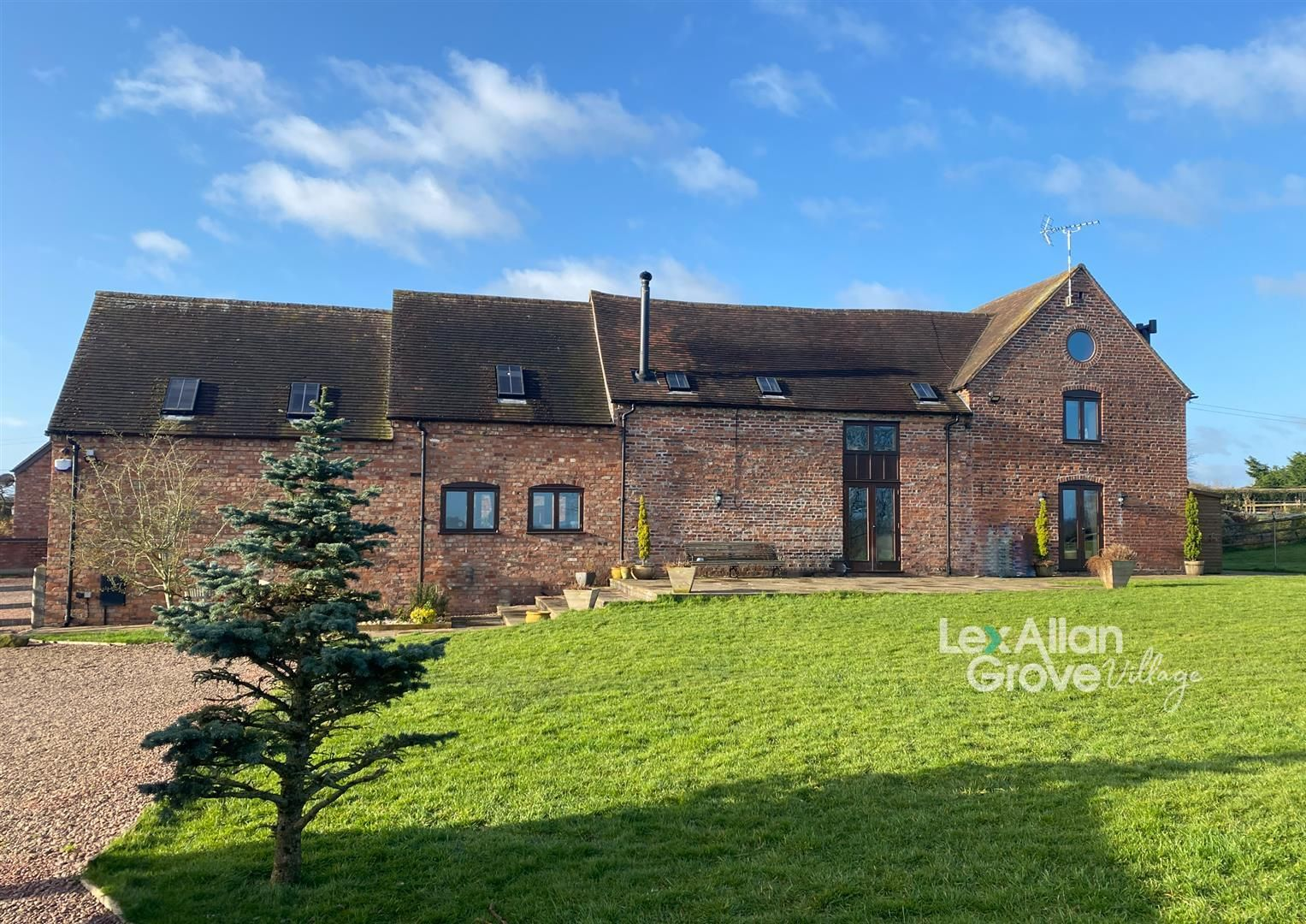 4 bed barn-conversion for sale in Bayton, DY14
