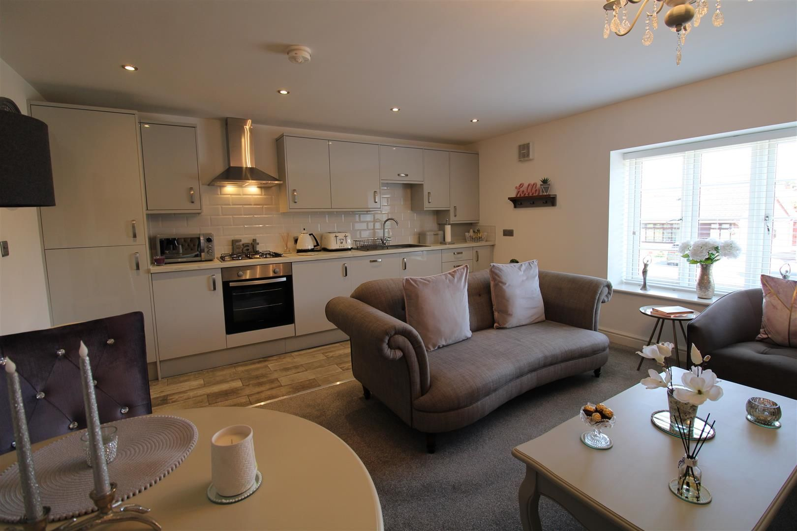 2 bed apartment for sale in Swindon  - Property Image 3