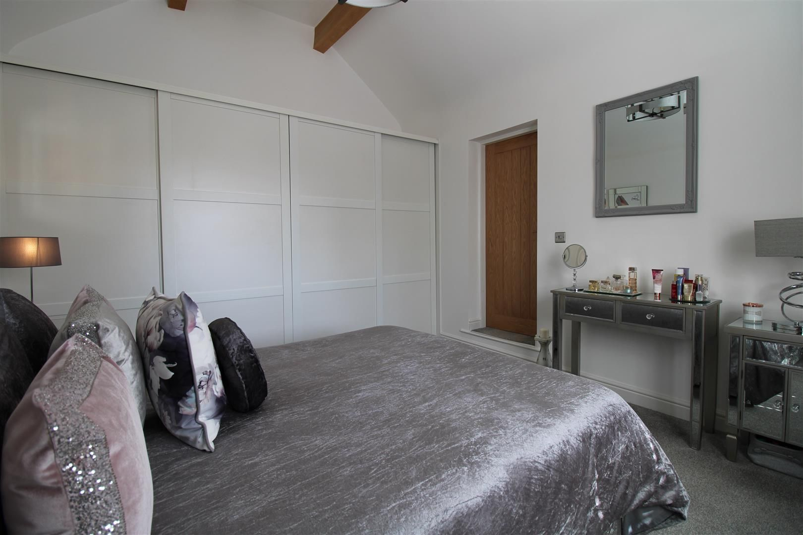 2 bed apartment for sale in Swindon 10