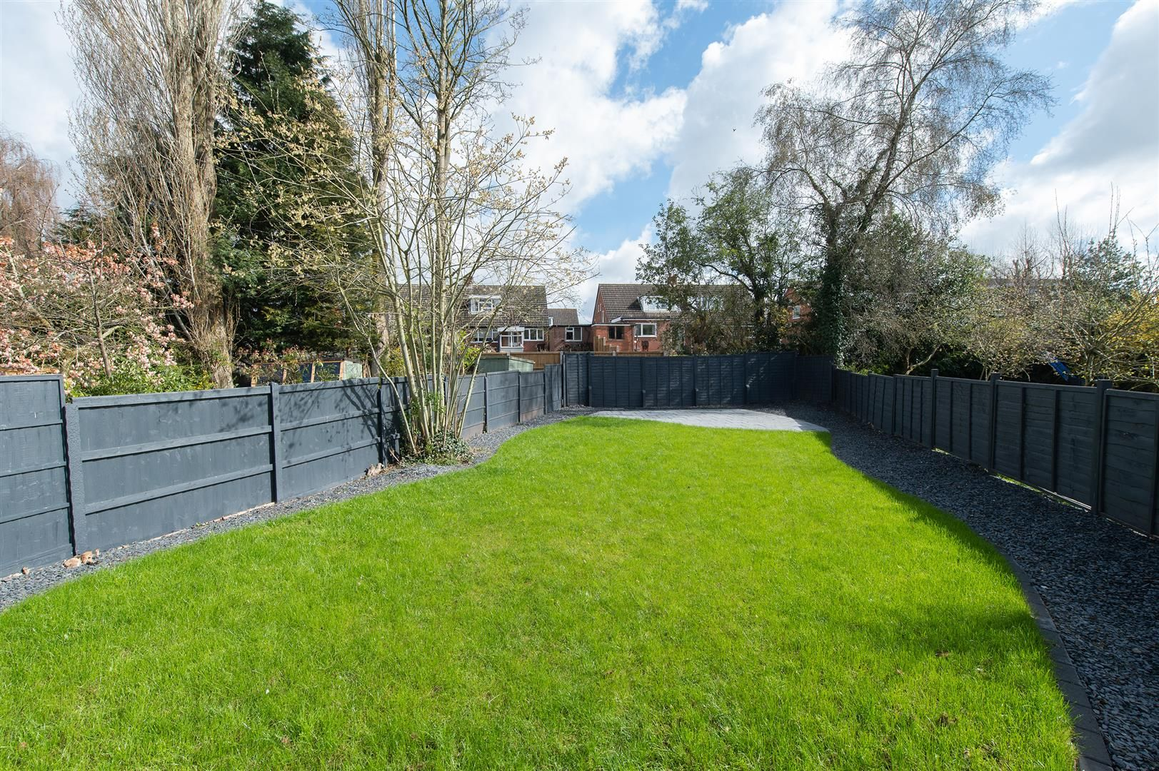 3 bed semi-detached for sale in Hagley 31