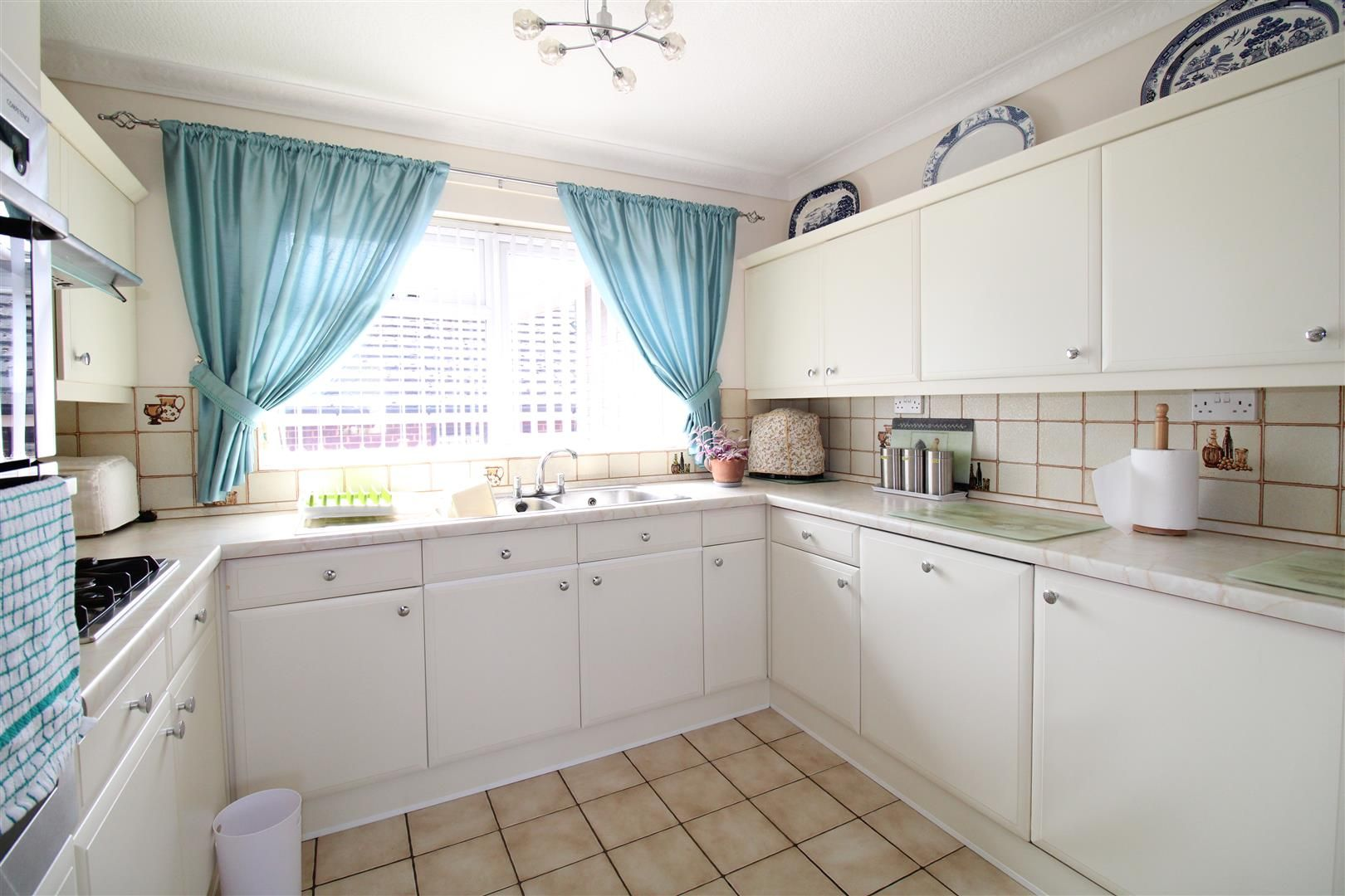 3 bed detached-bungalow for sale in Kinver 11