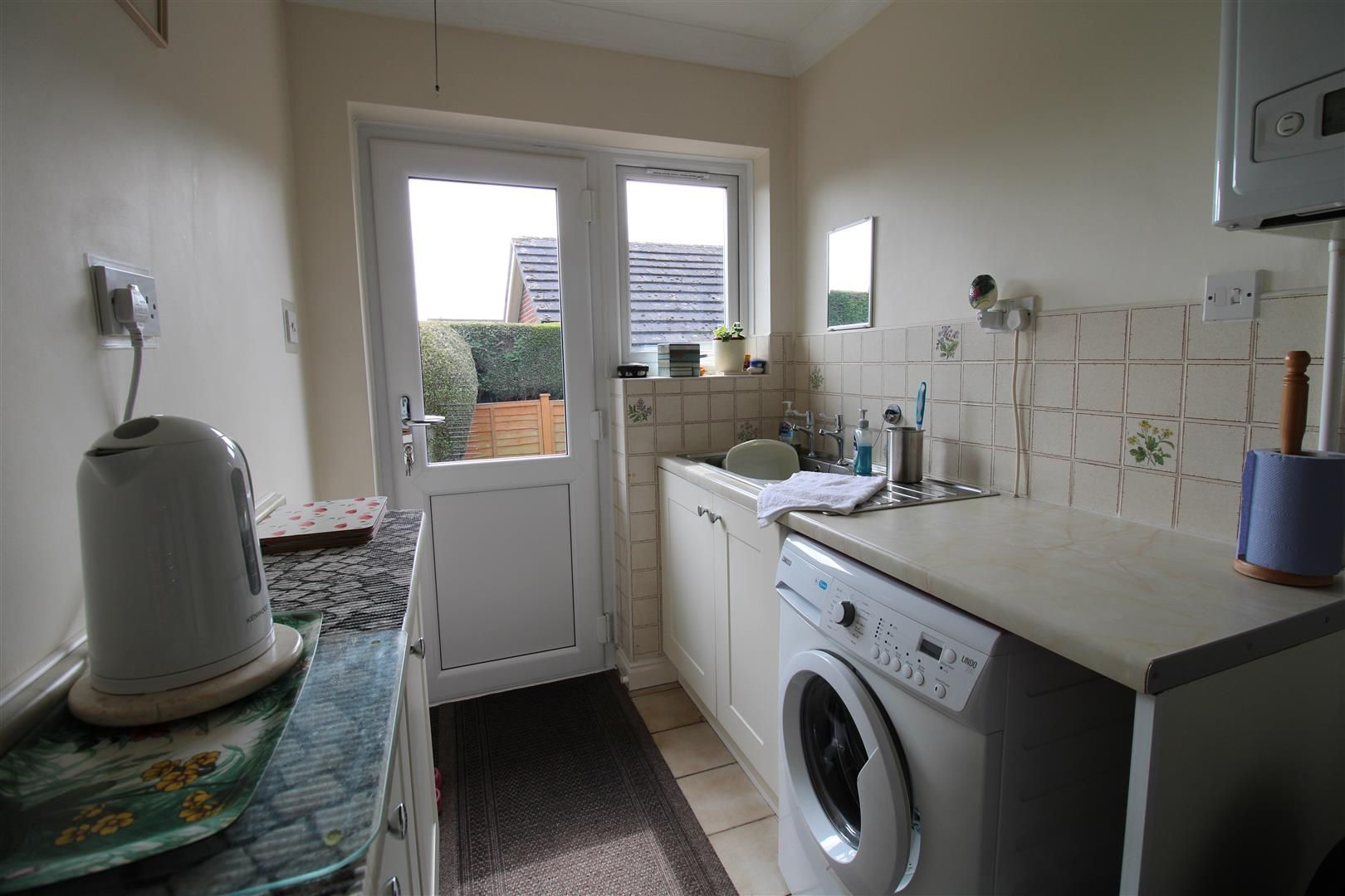 3 bed detached-bungalow for sale in Kinver 13