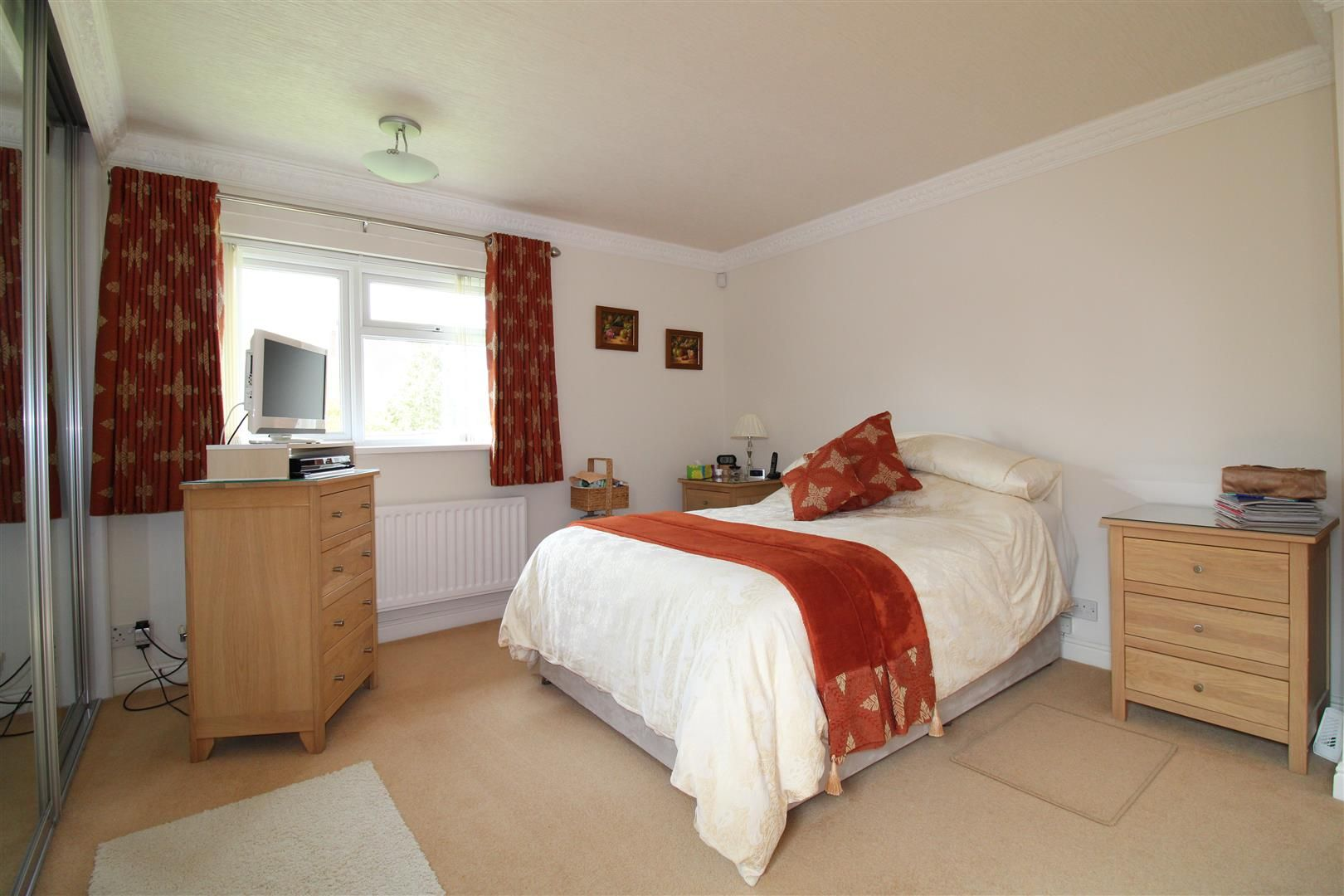3 bed detached-bungalow for sale in Kinver 14