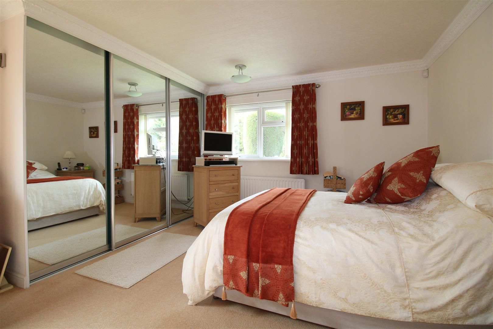 3 bed detached-bungalow for sale in Kinver 15