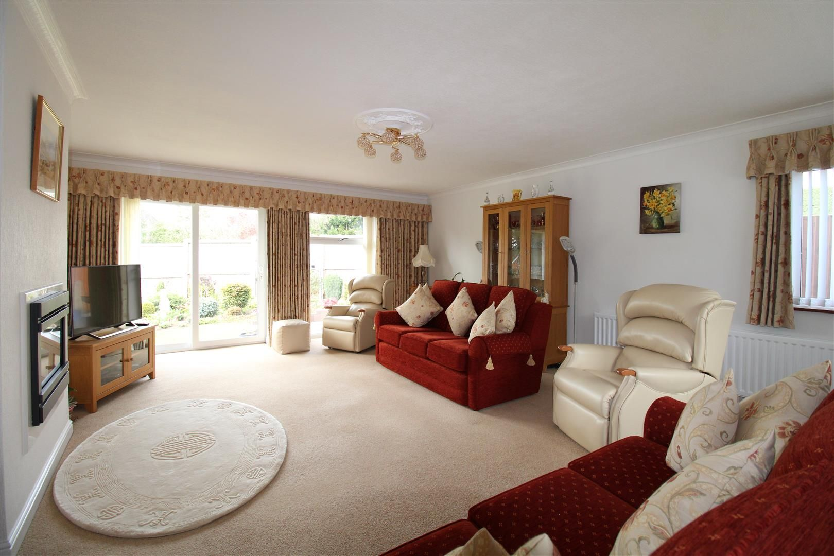 3 bed detached-bungalow for sale in Kinver  - Property Image 3