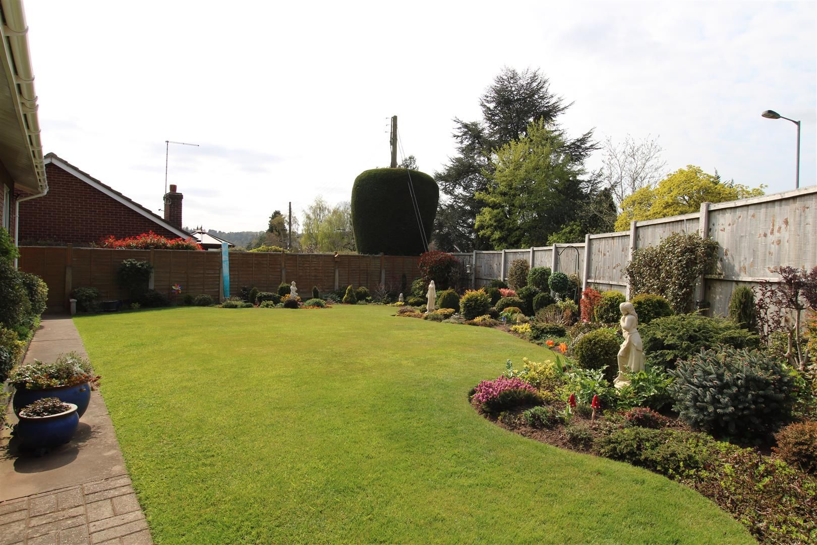 3 bed detached-bungalow for sale in Kinver 26