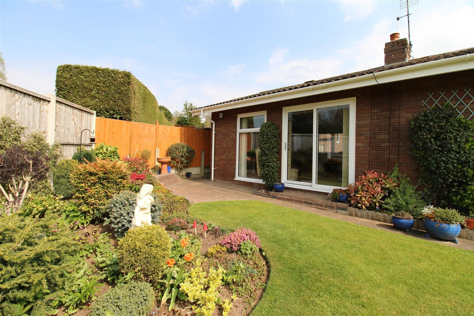 3 bed detached-bungalow for sale in Kinver 28