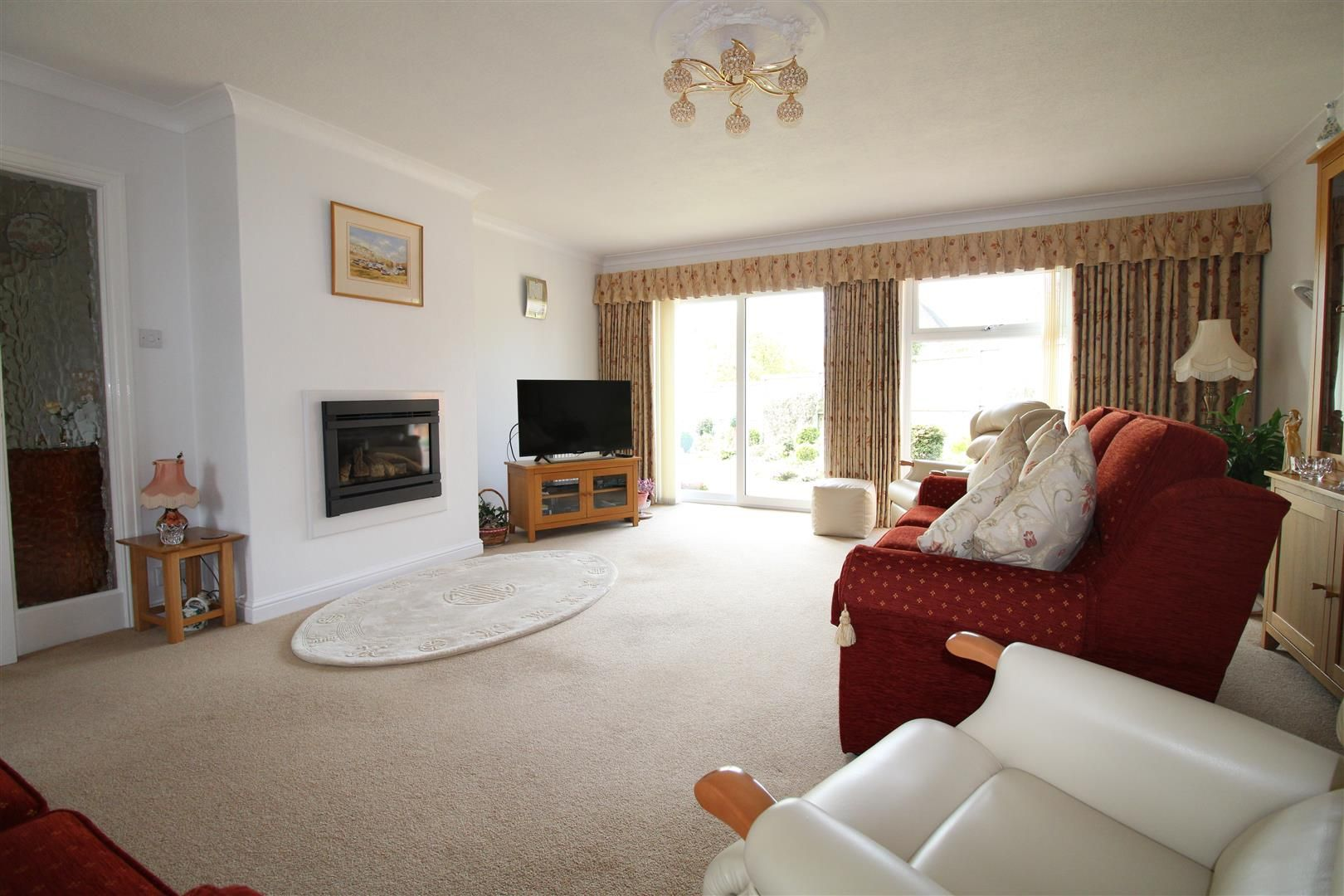 3 bed detached-bungalow for sale in Kinver 4