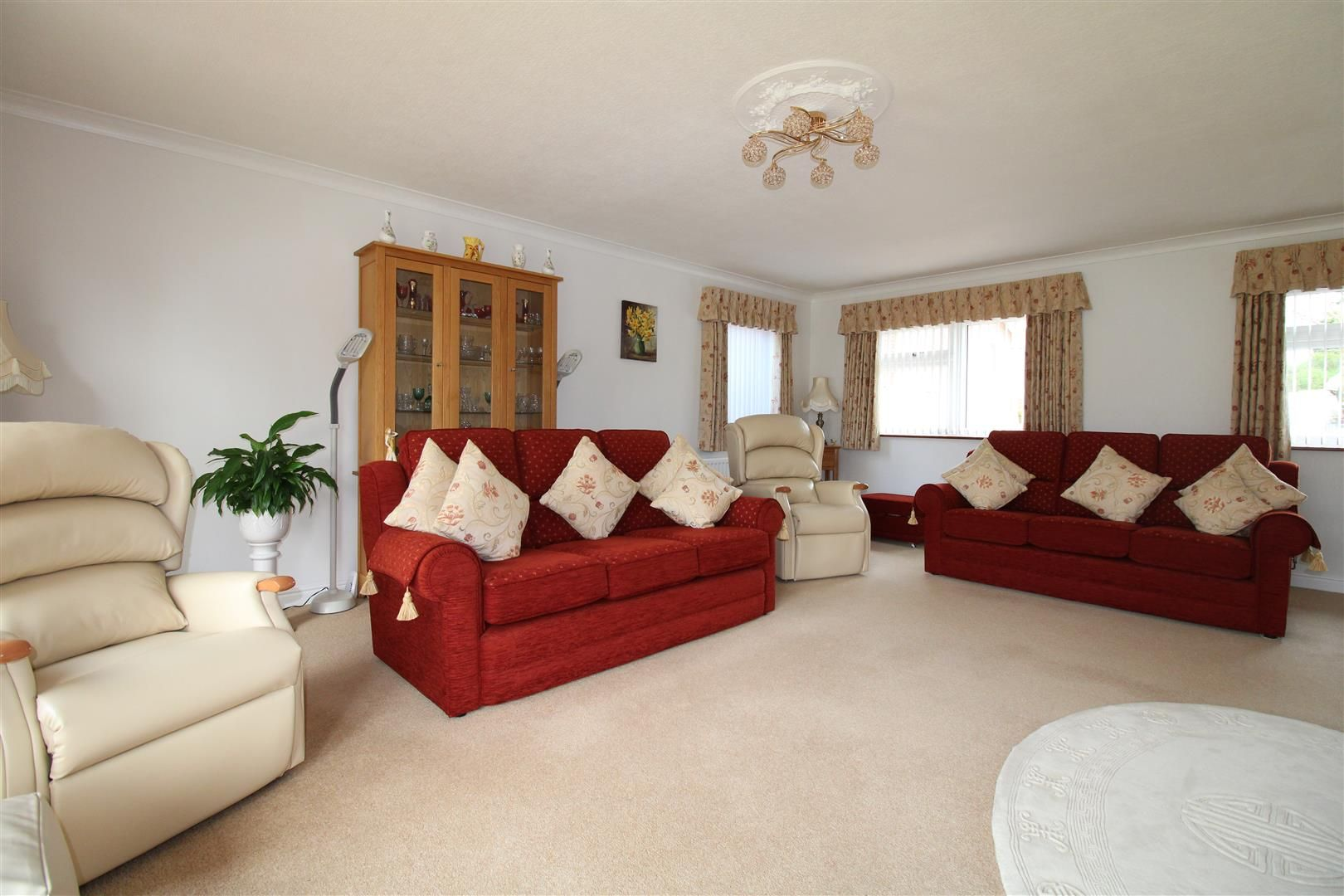 3 bed detached-bungalow for sale in Kinver 5