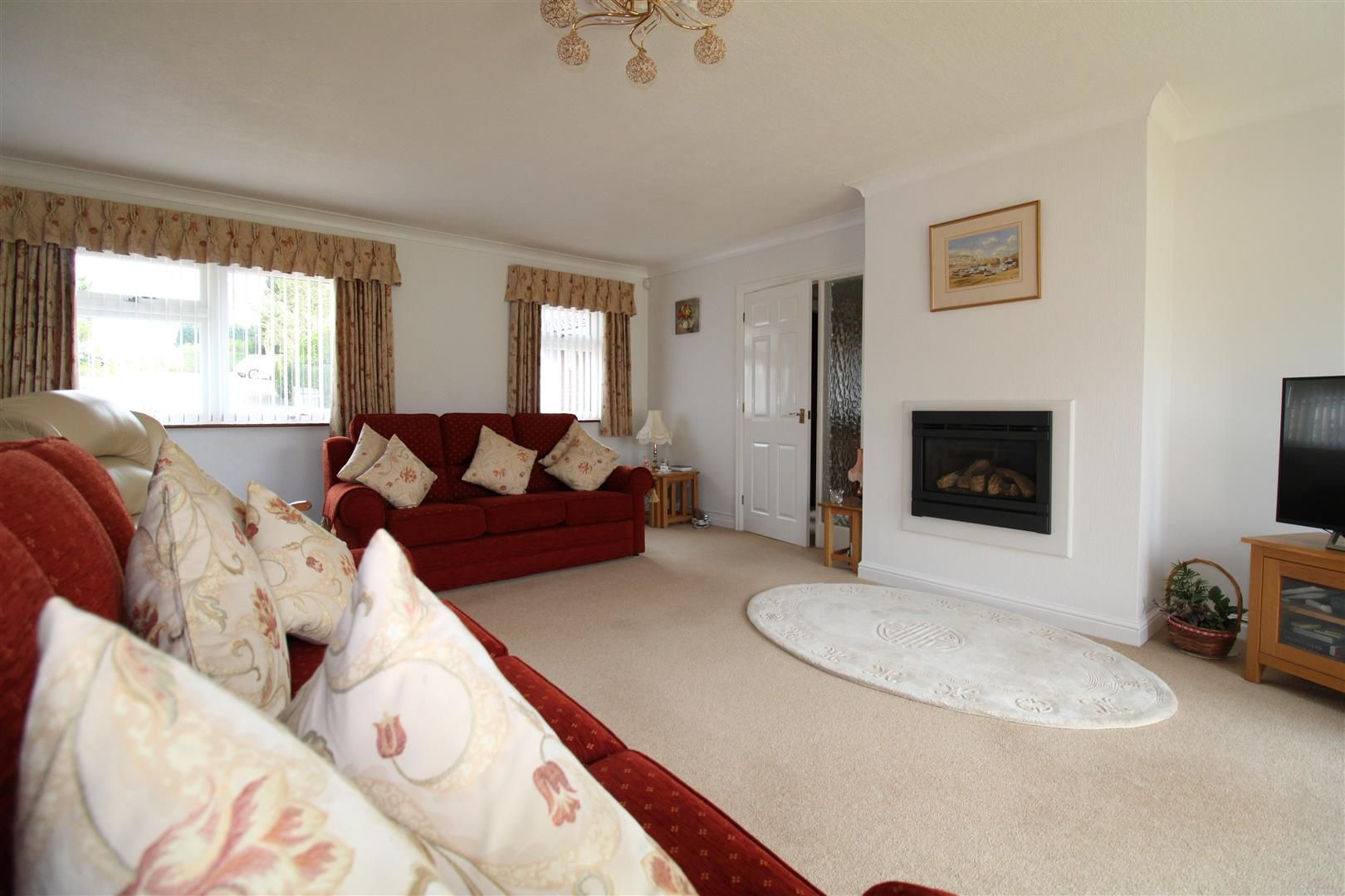 3 bed detached-bungalow for sale in Kinver 6