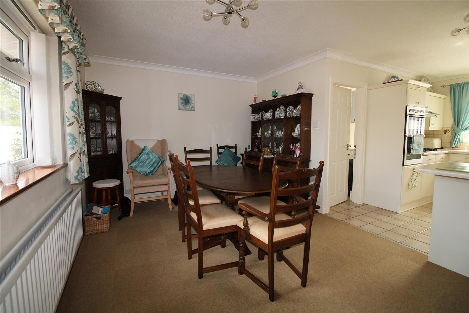 3 bed detached-bungalow for sale in Kinver 7