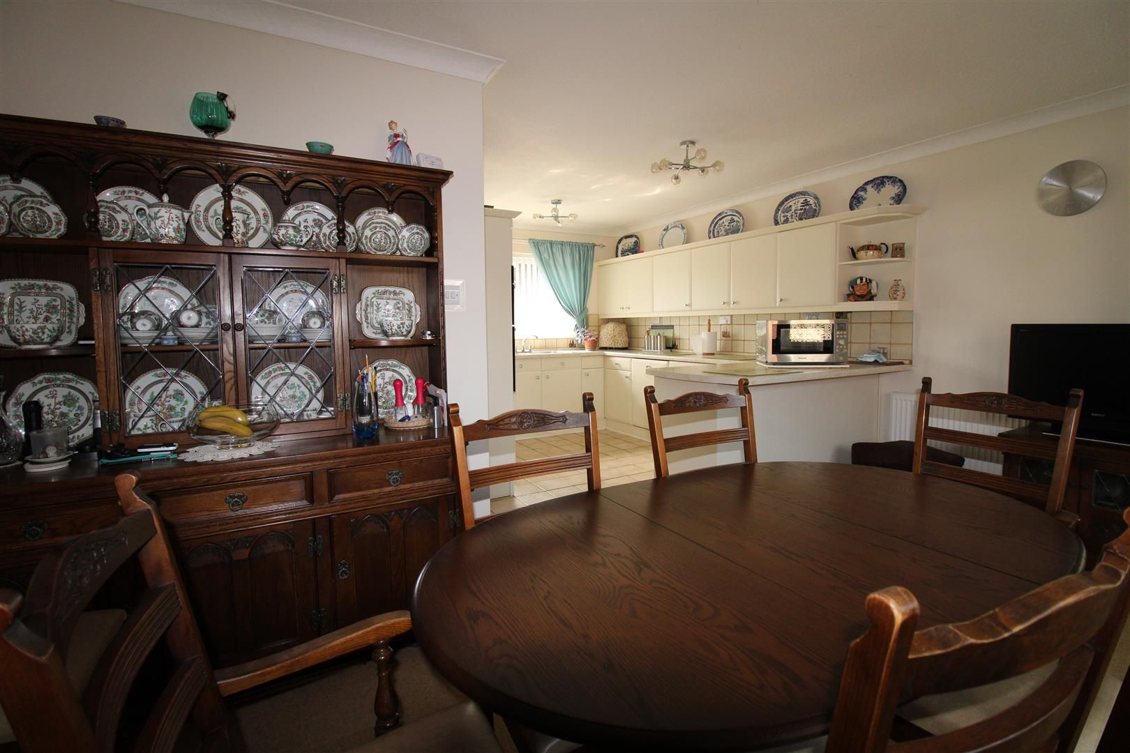 3 bed detached-bungalow for sale in Kinver 8