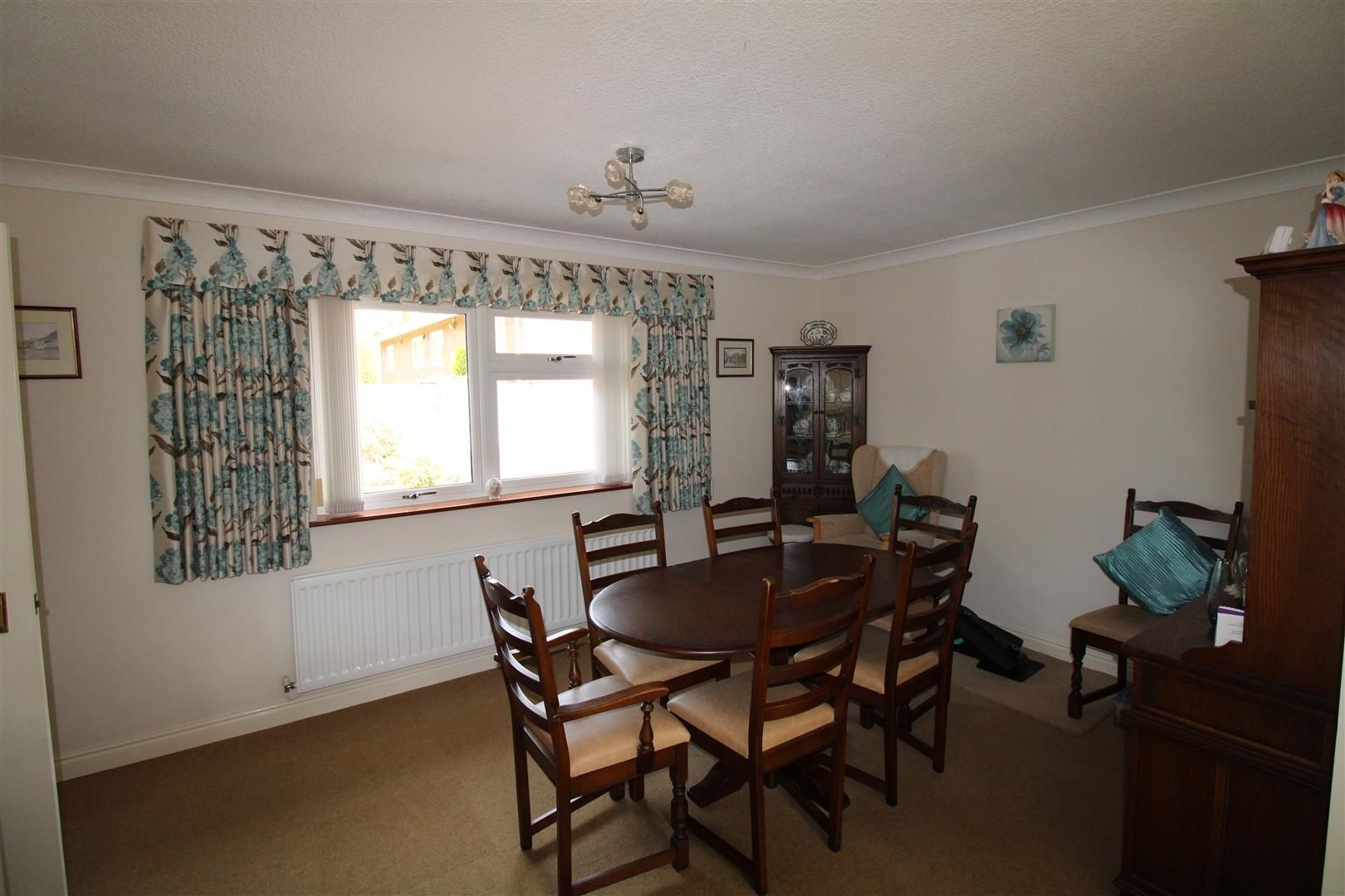3 bed detached-bungalow for sale in Kinver 9