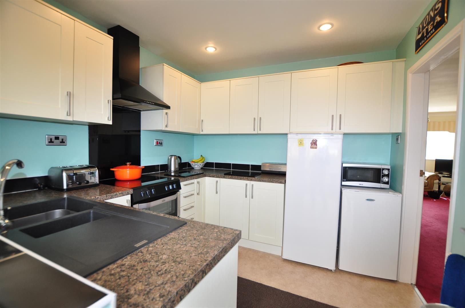 3 bed house for sale in Hagley 4