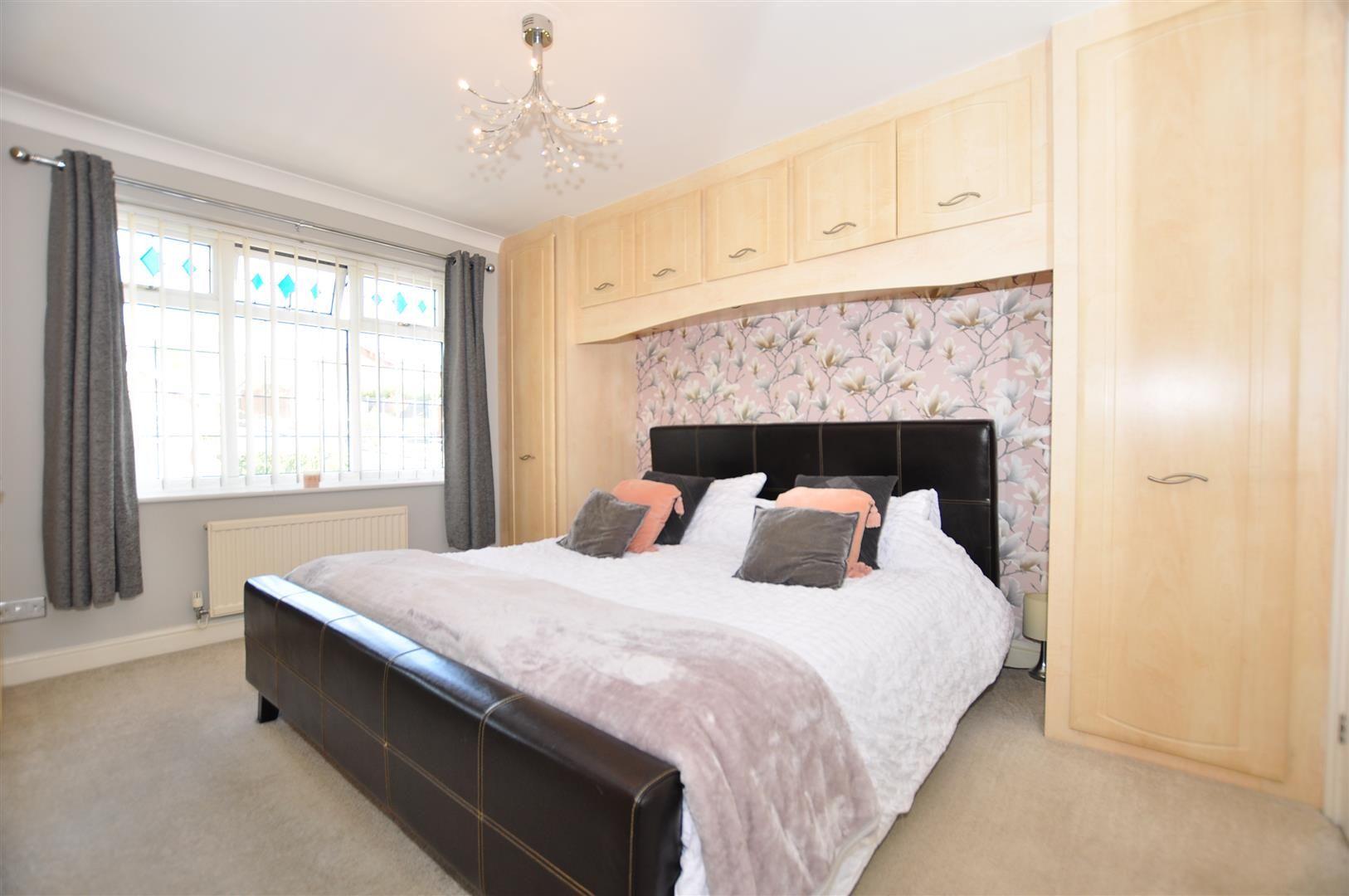 5 bed detached for sale  - Property Image 12