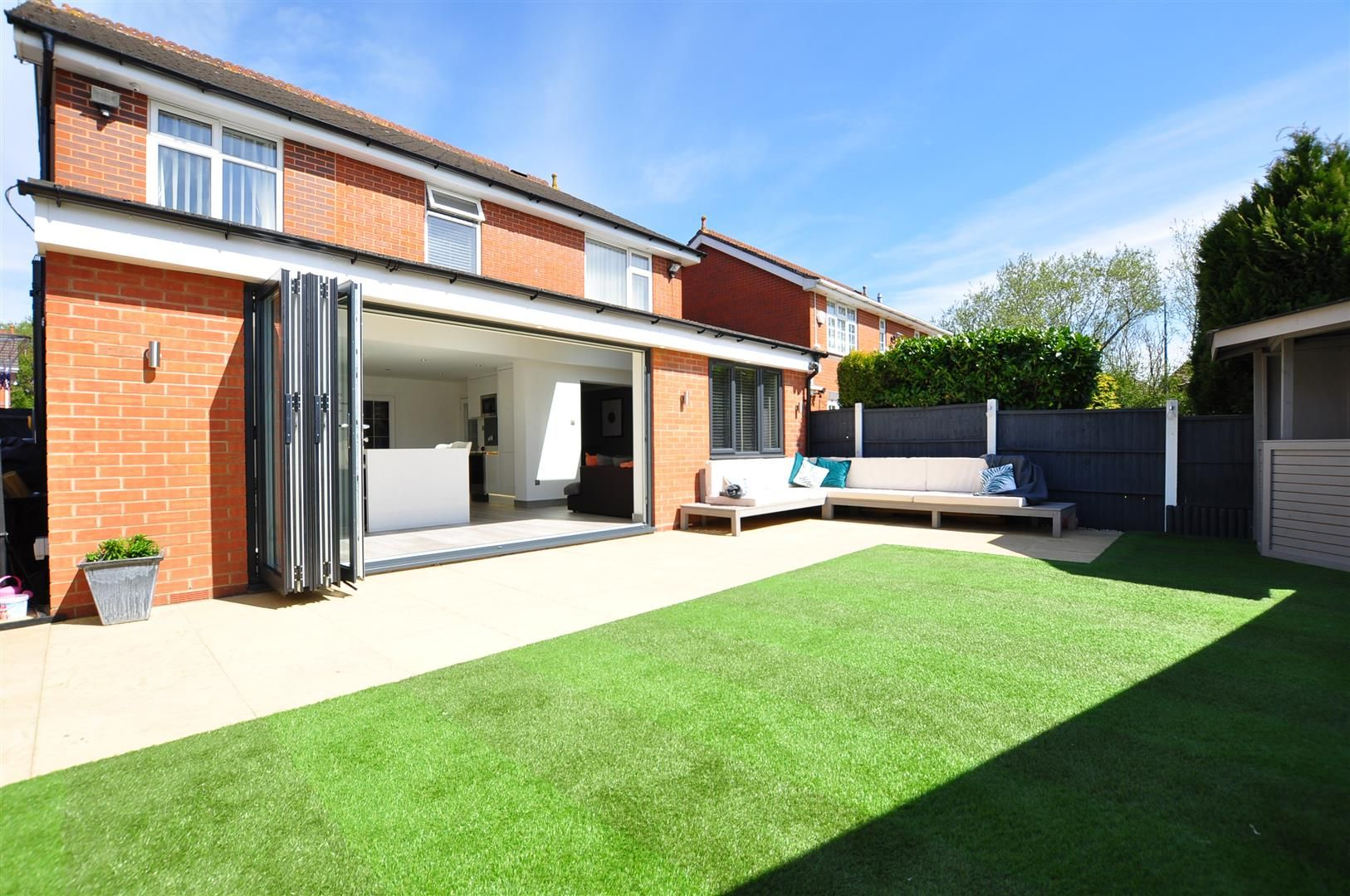 5 bed detached for sale 22