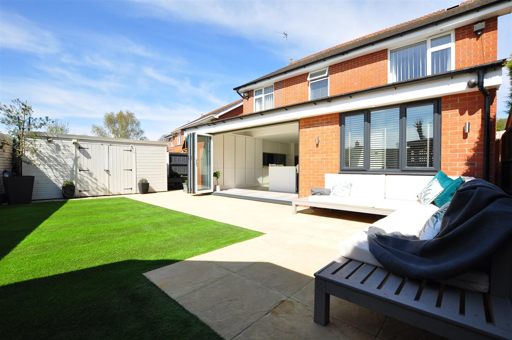 5 bed detached for sale 24