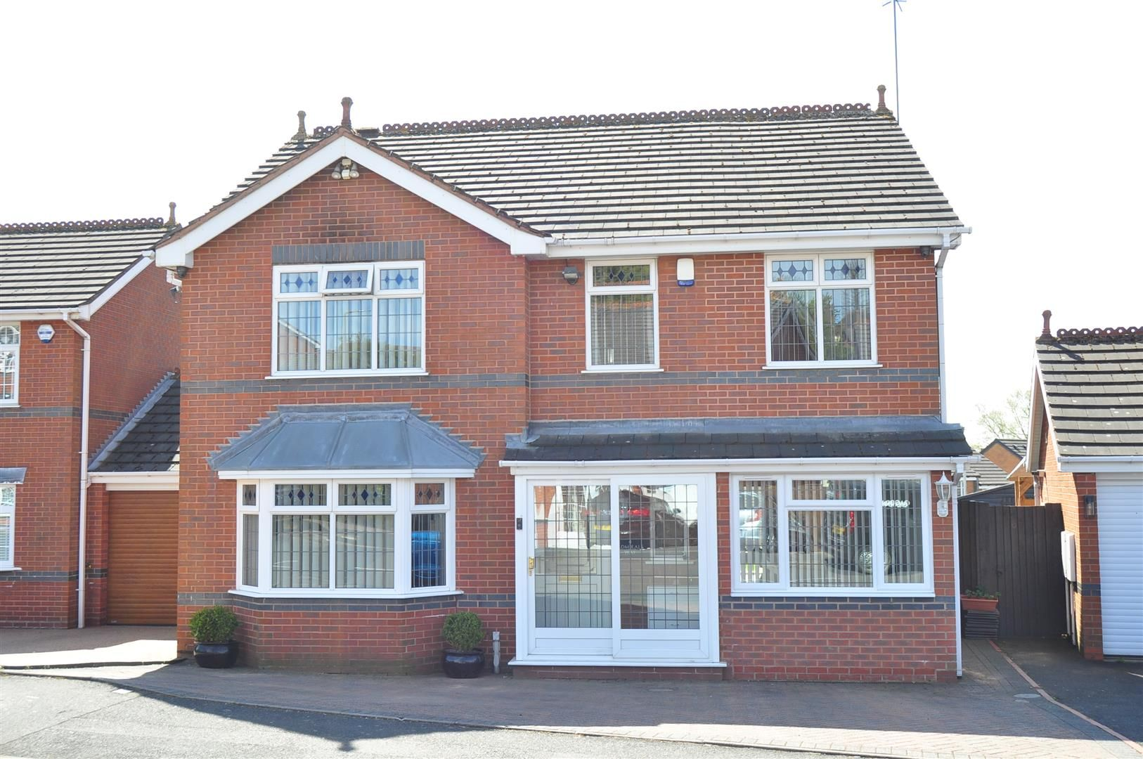 5 bed detached for sale 25