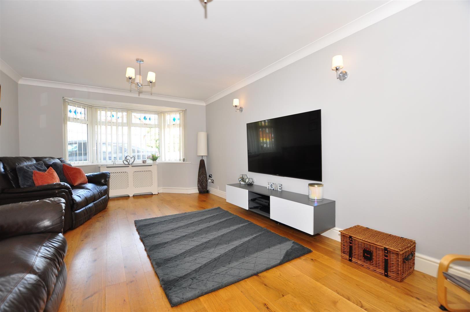 5 bed detached for sale  - Property Image 5