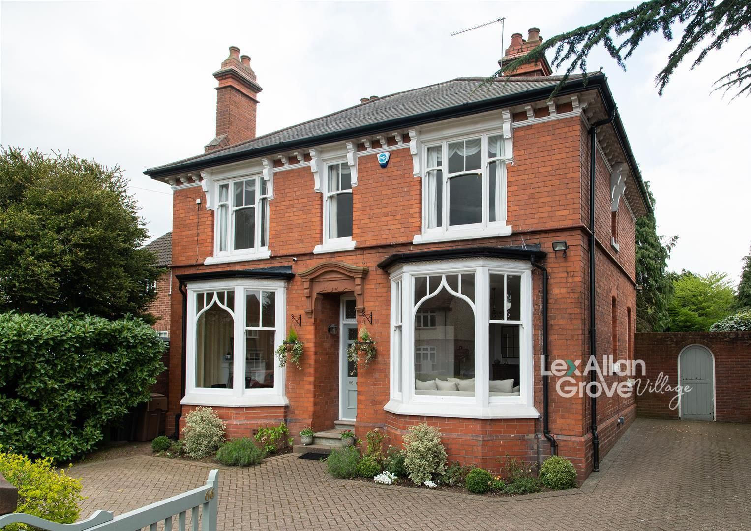 4 bed detached for sale in Hagley 1