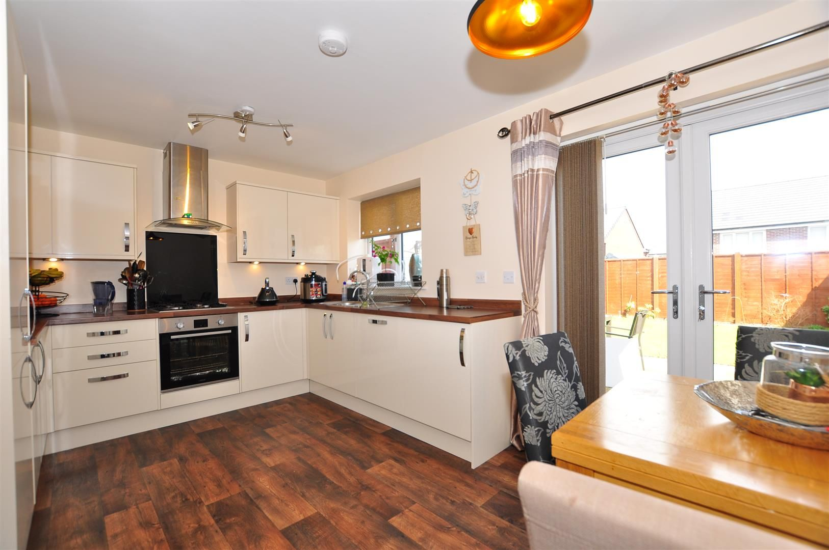 3 bed detached for sale 4