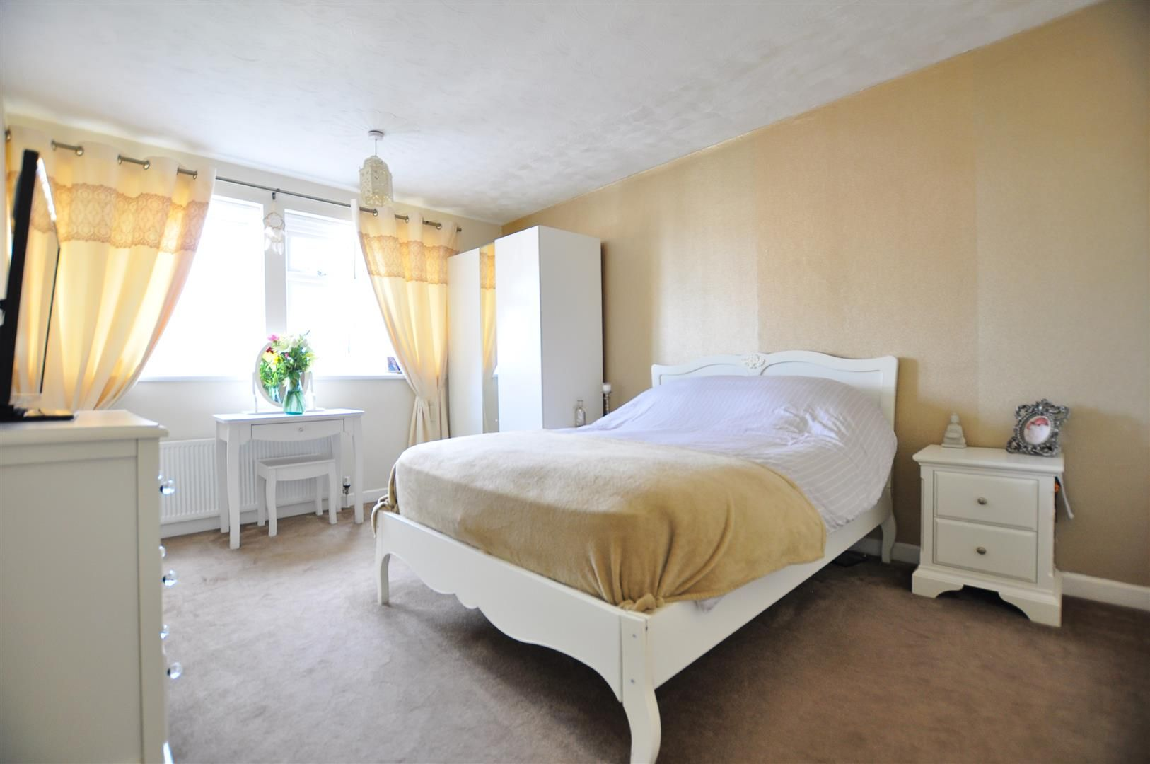 3 bed detached for sale 16