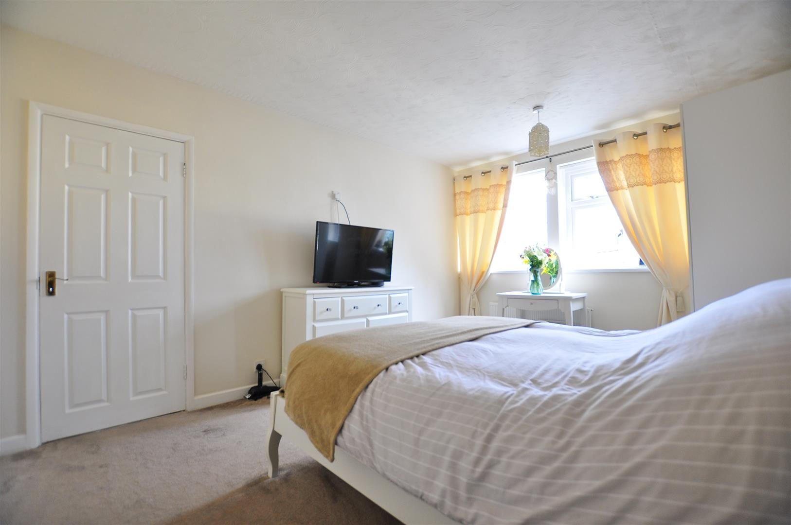 3 bed detached for sale  - Property Image 17