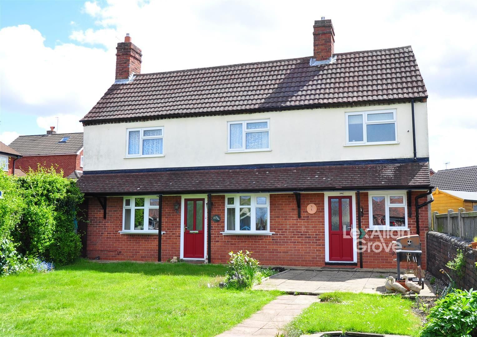 2 bed detached for sale, B63
