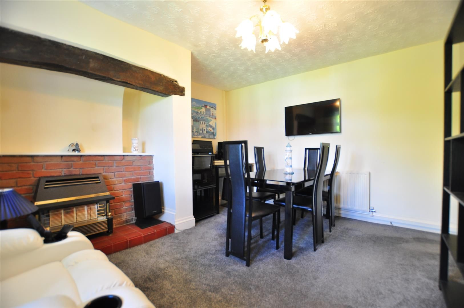 2 bed detached for sale 2