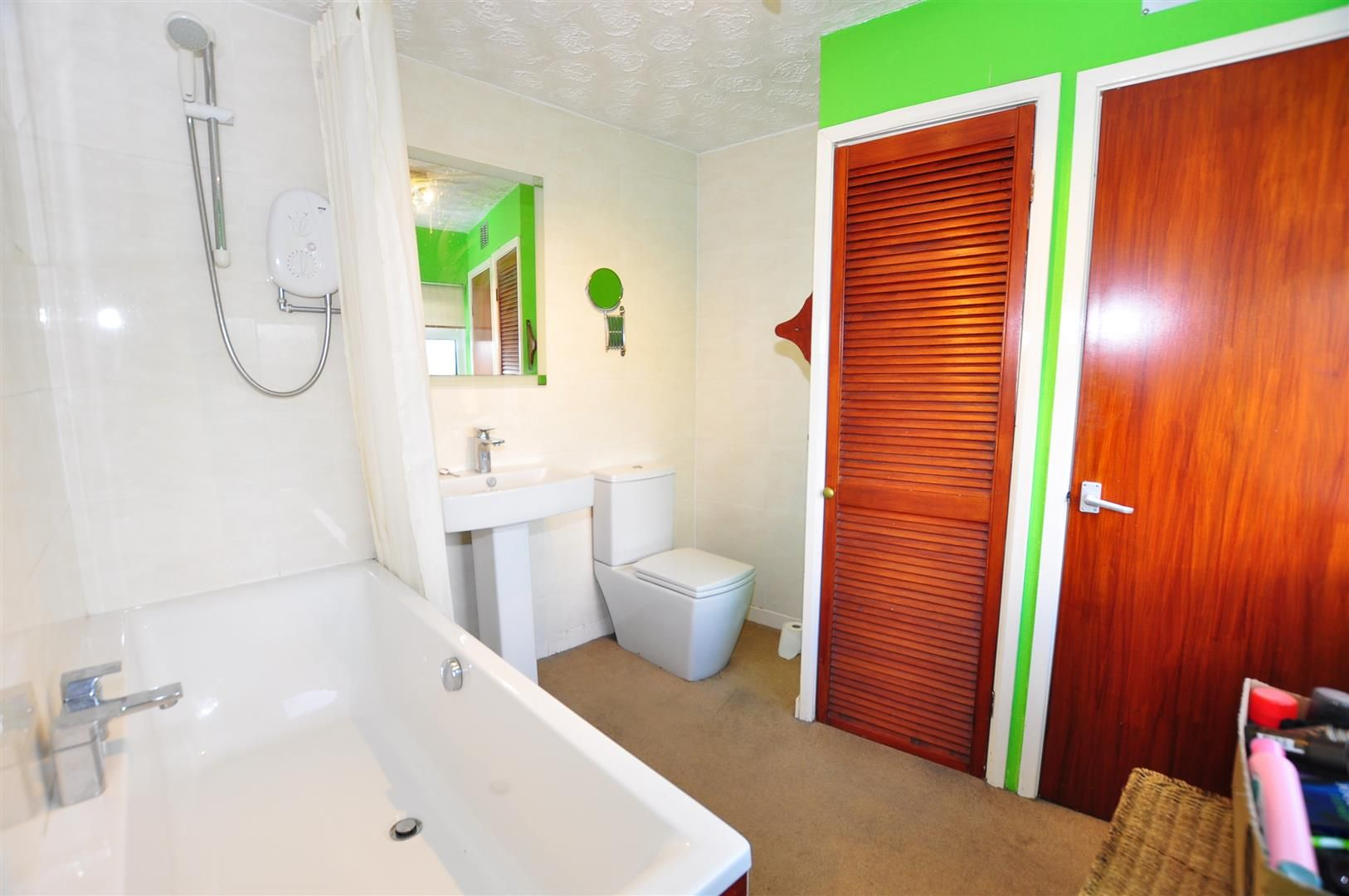 2 bed detached for sale 12