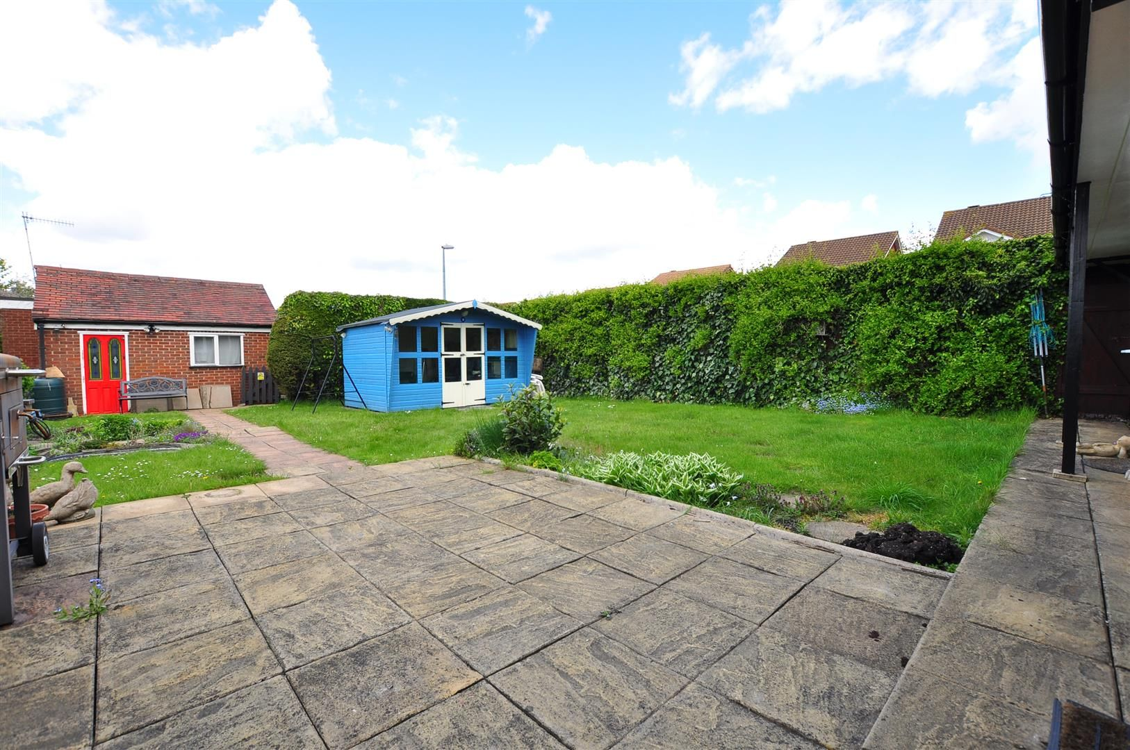 2 bed detached for sale 13
