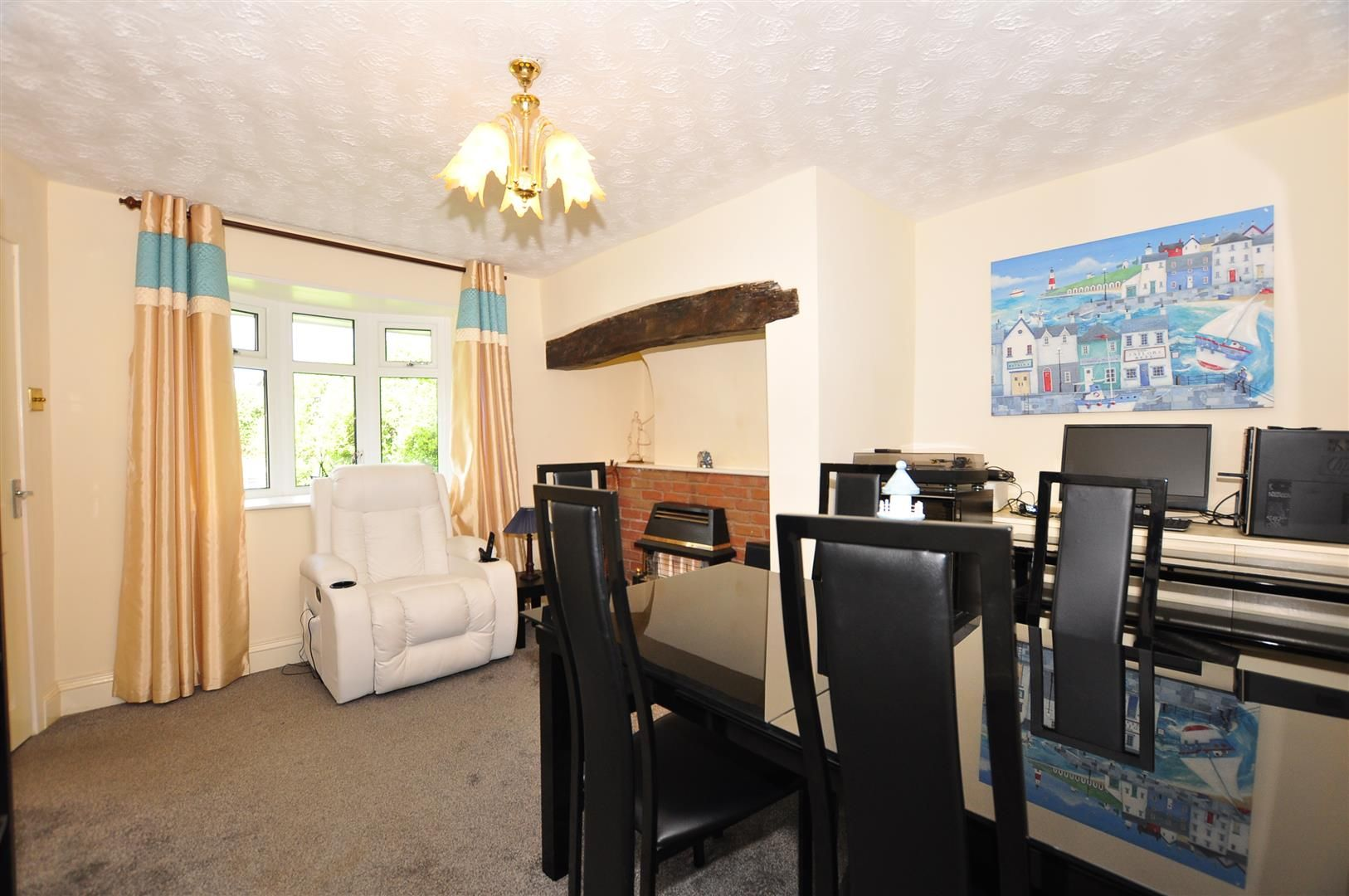 2 bed detached for sale 3