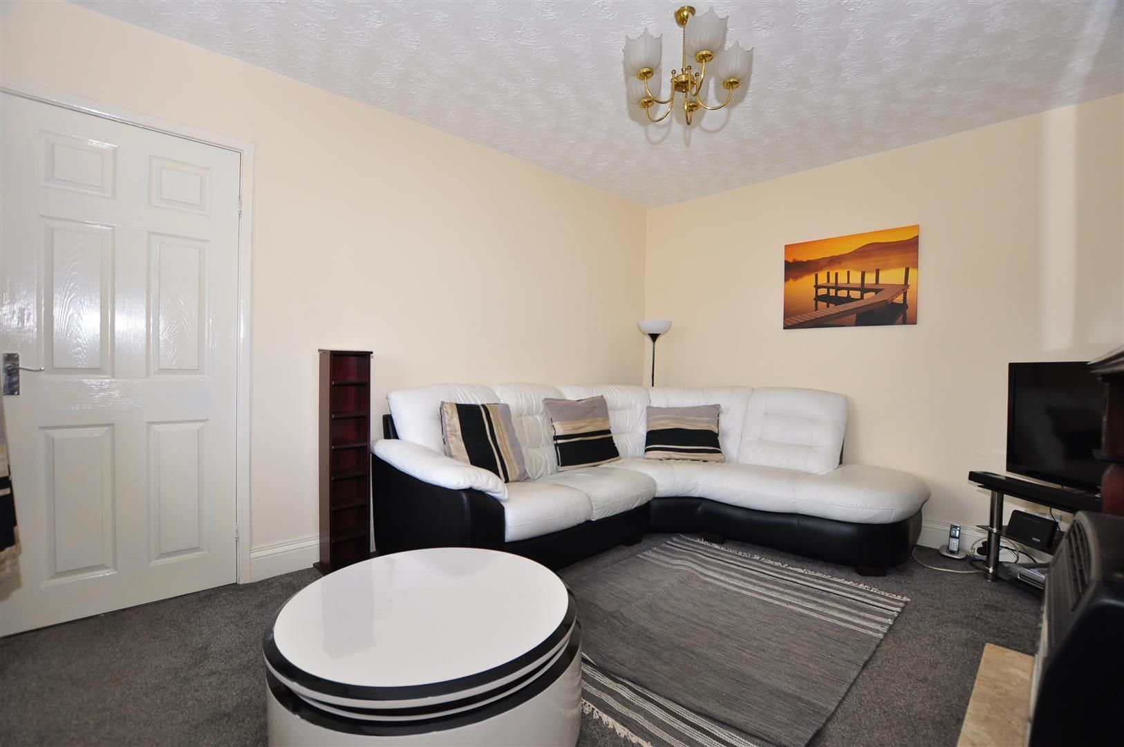 2 bed detached for sale 4