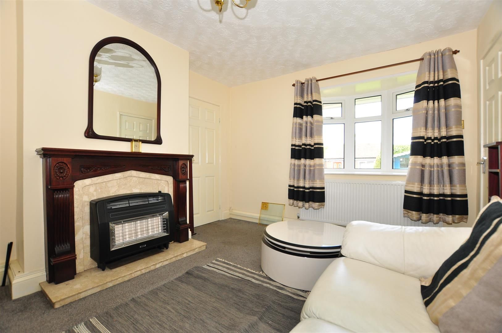 2 bed detached for sale 5