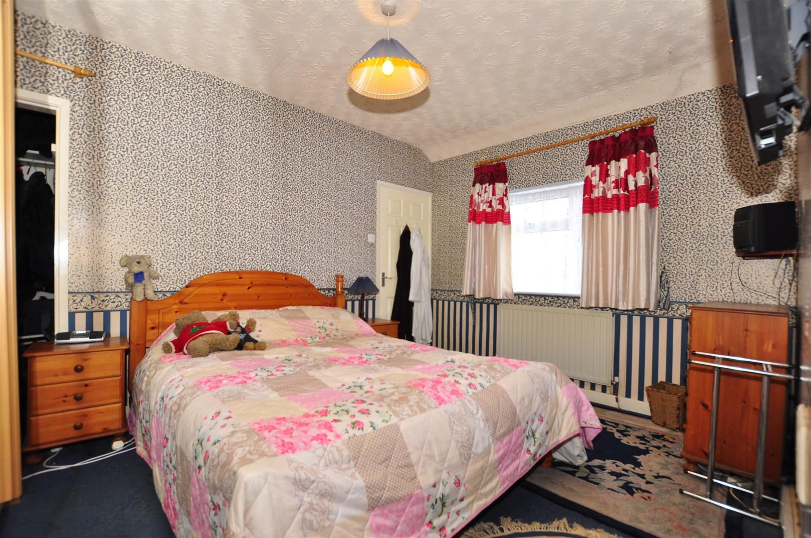 2 bed detached for sale 10