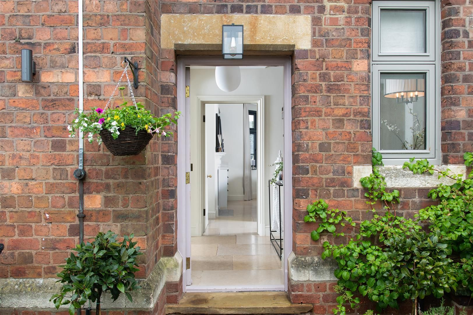 4 bed house for sale in Kinver  - Property Image 2