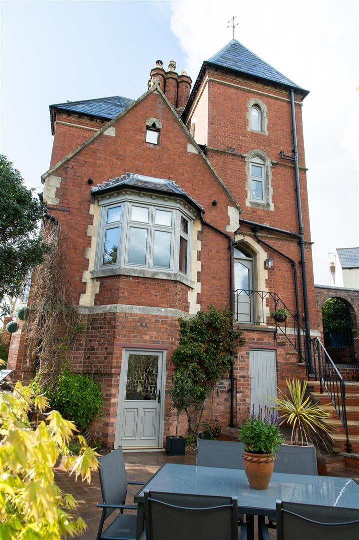 4 bed house for sale in Kinver 24
