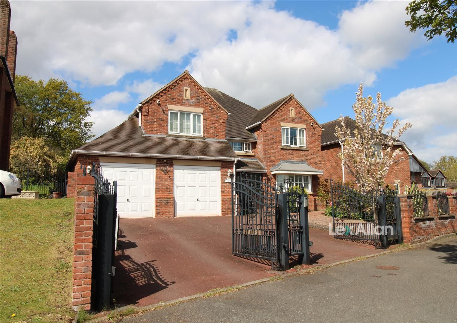 5 bed detached for sale in Stourton, DY7