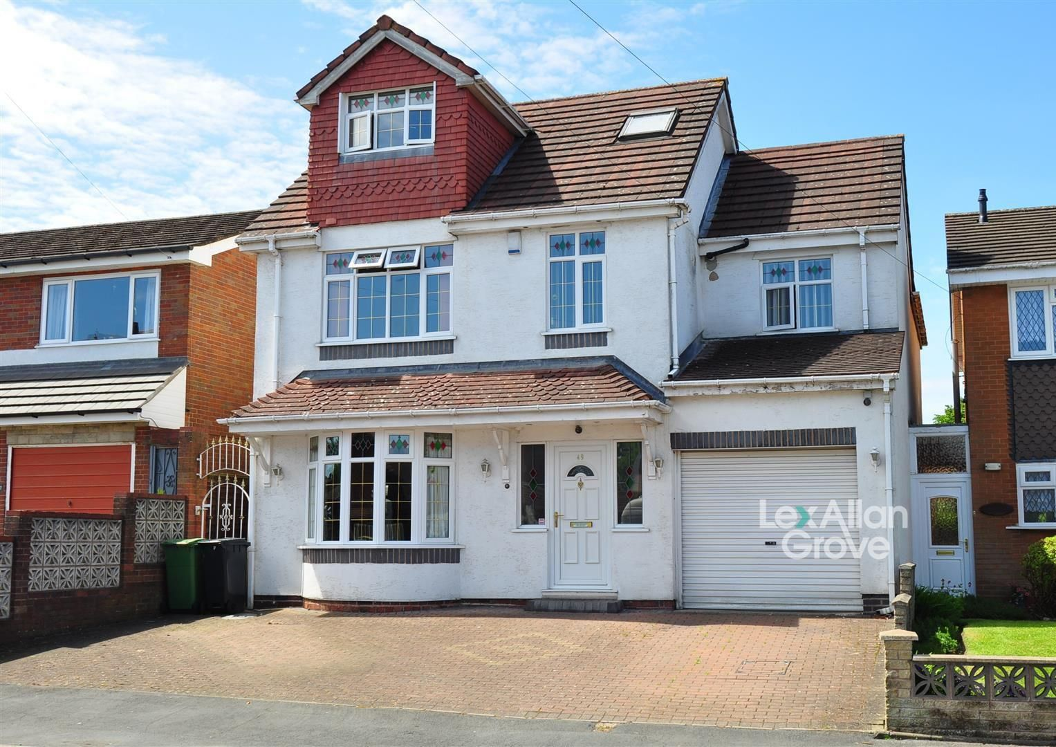 6 bed detached for sale, B62