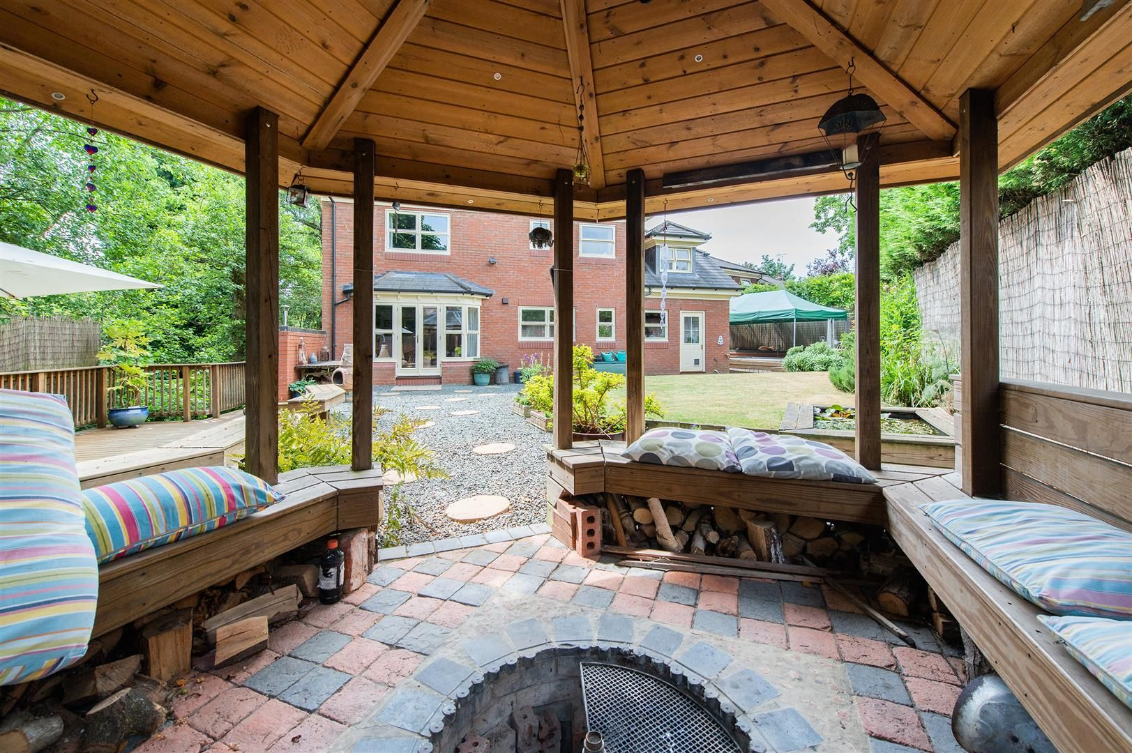 5 bed house for sale in Hagley 31