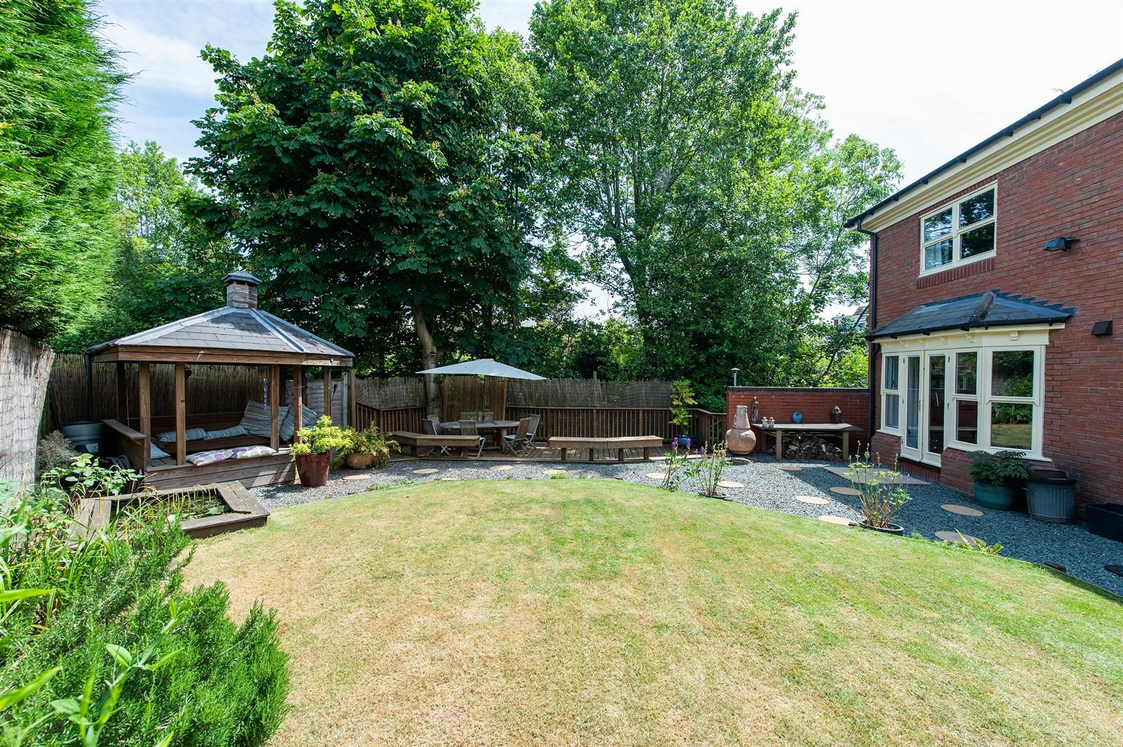 5 bed house for sale in Hagley 33
