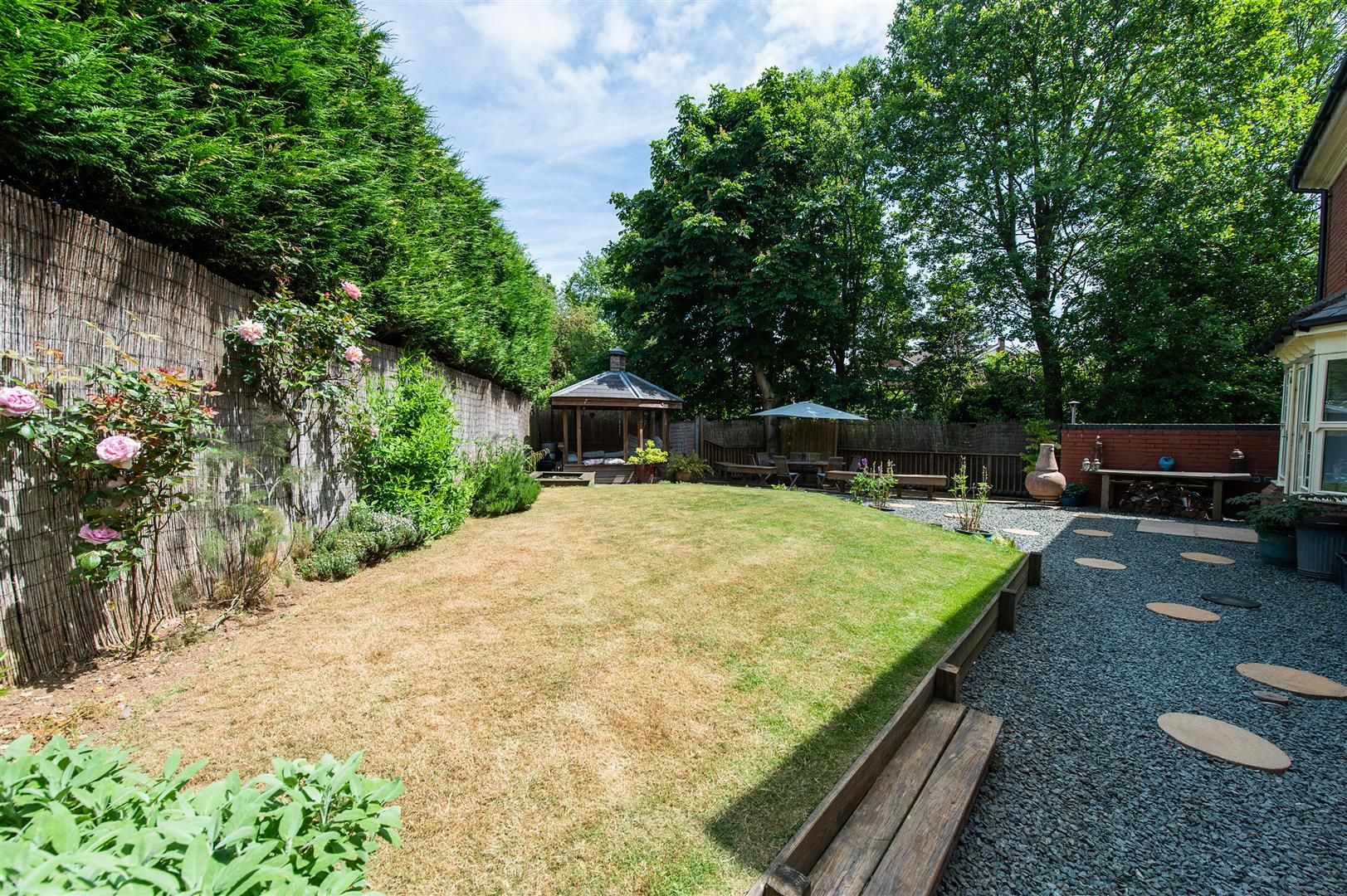 5 bed house for sale in Hagley 34