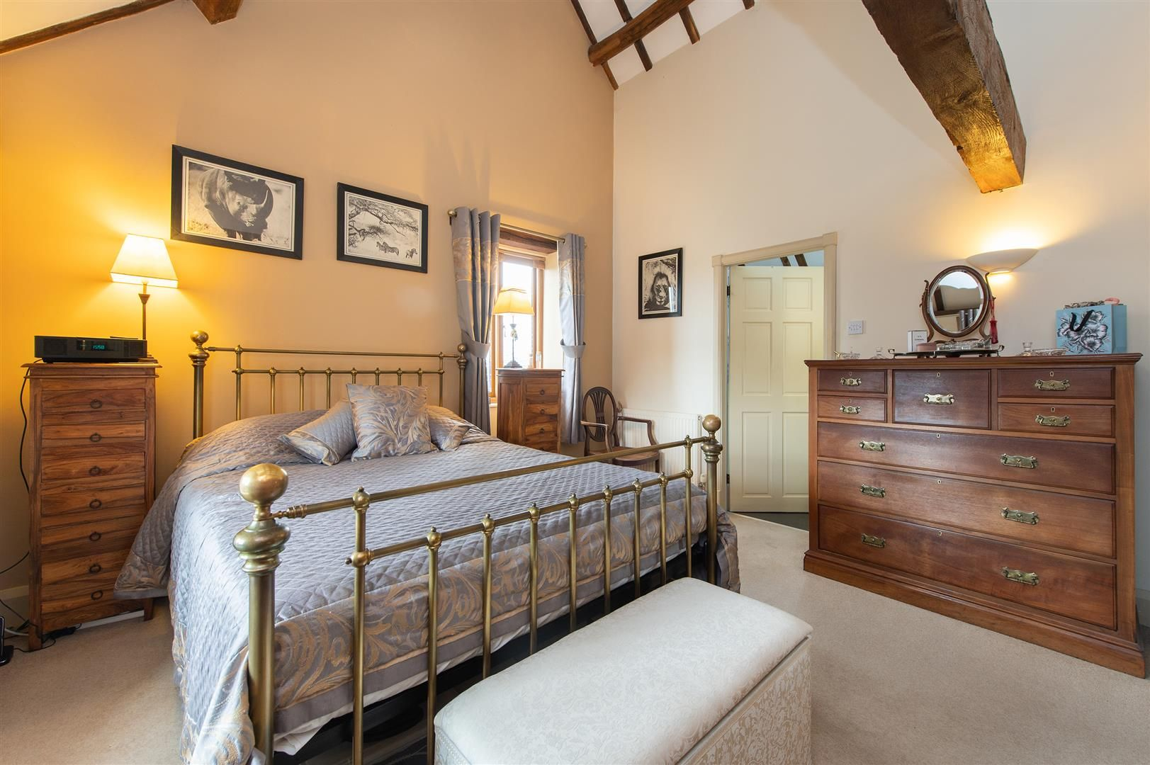 4 bed barn-conversion for sale in Wolverley 17