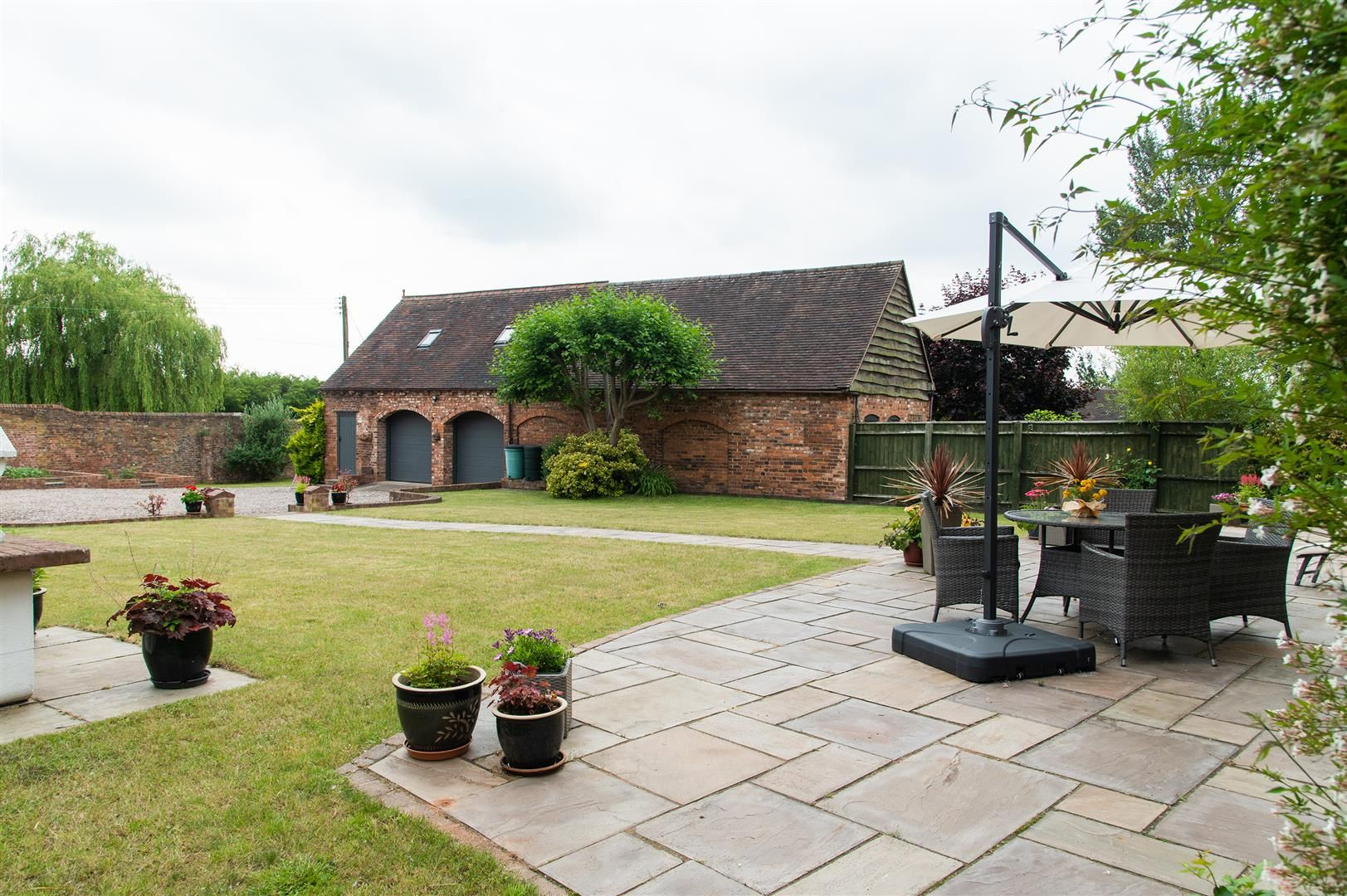 4 bed barn-conversion for sale in Wolverley 22