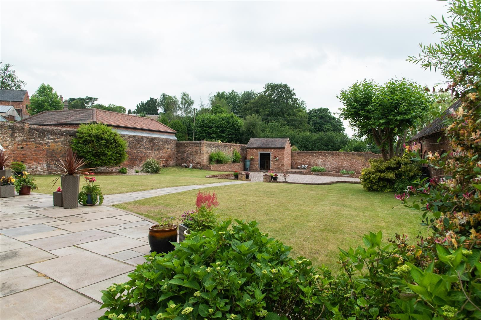 4 bed barn-conversion for sale in Wolverley 25