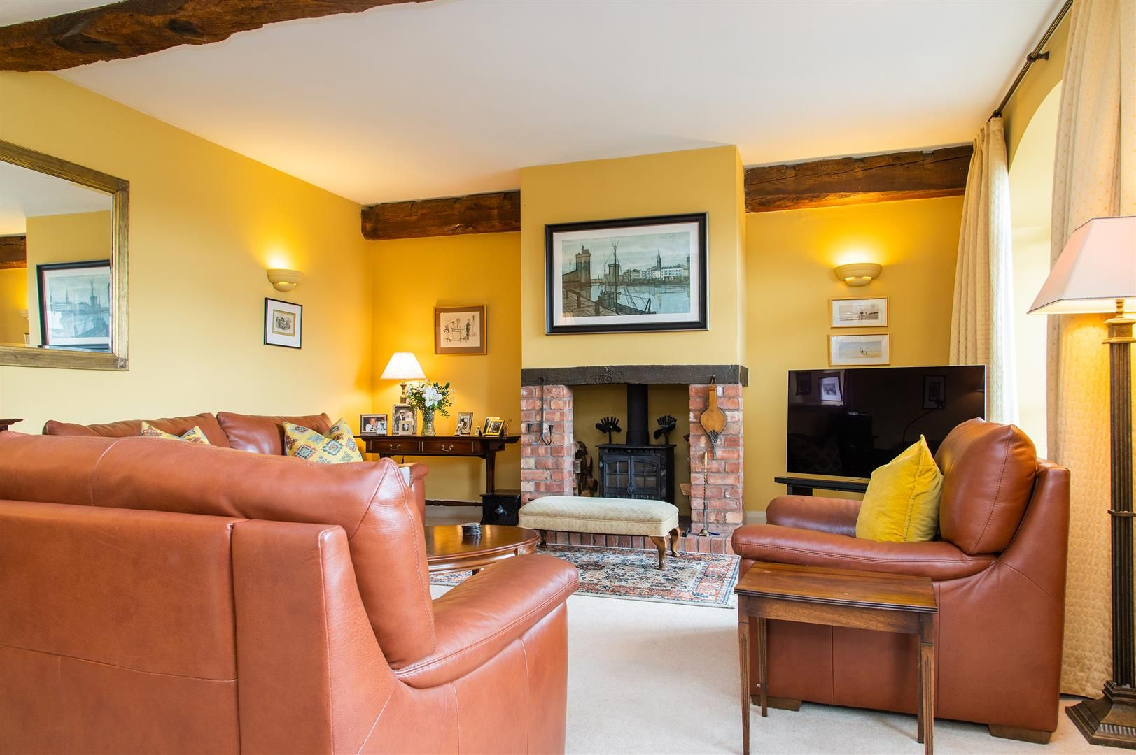 4 bed barn-conversion for sale in Wolverley 8