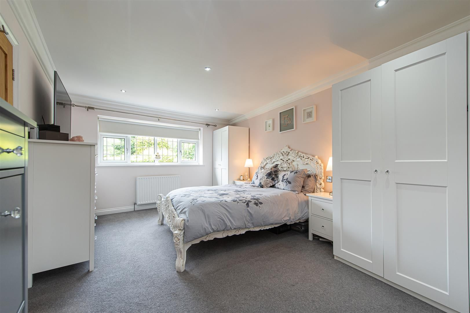 5 bed detached for sale in Hagley 16