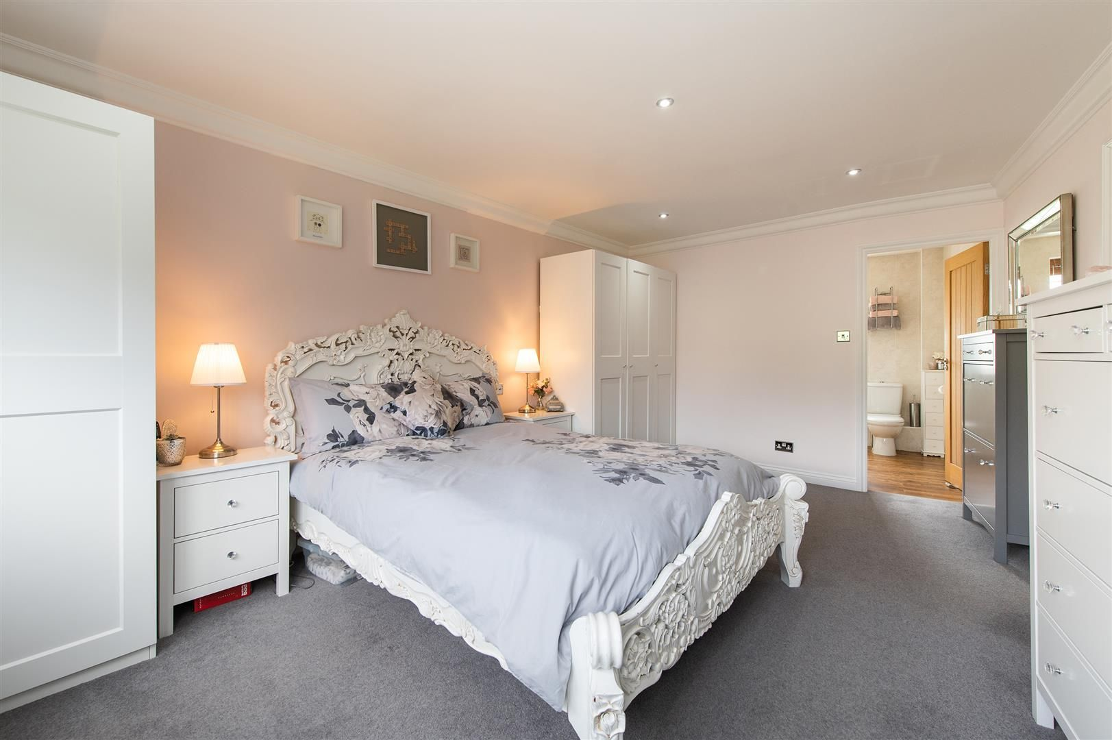 5 bed detached for sale in Hagley 18
