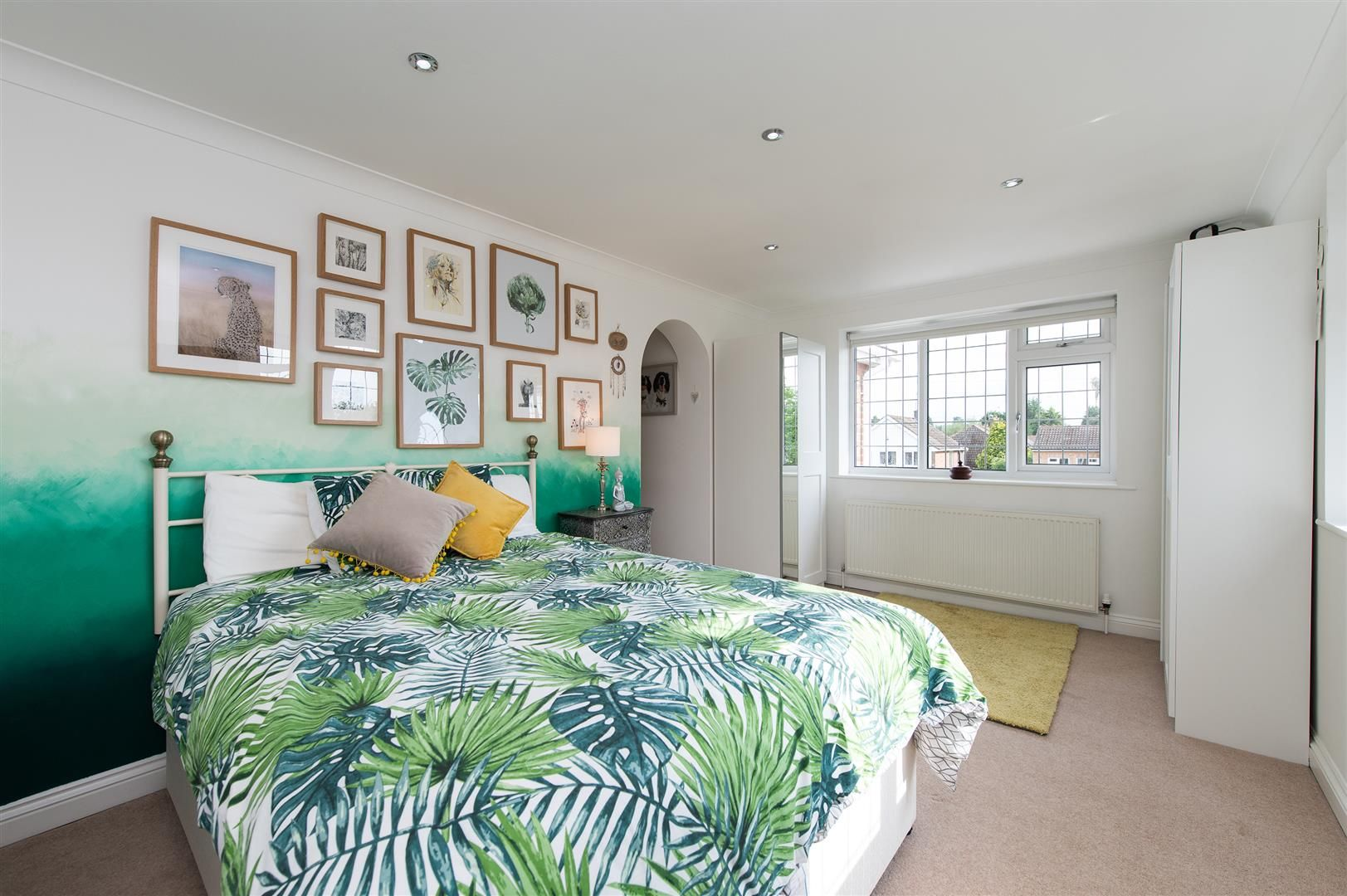 5 bed detached for sale in Hagley 21